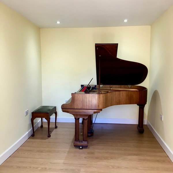 Grand piano rehearsal and recording space studio in Leeds